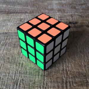 Rubik's cube 3x3 résolu